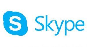 Skype ermöglicht kostenlos die Videotelefonie mit bis zu 50 Personen gleichzeitig.